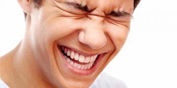 الضحك