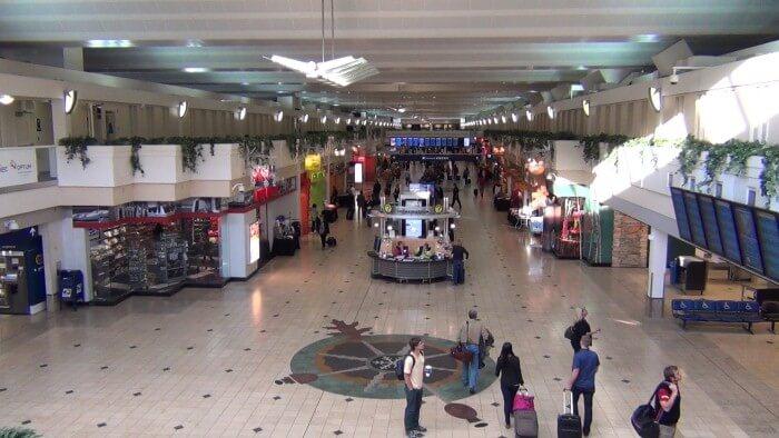 مطار مينابوليس سانت بول