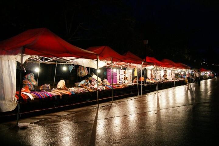 سوق لوانغ برابانغ الليلي