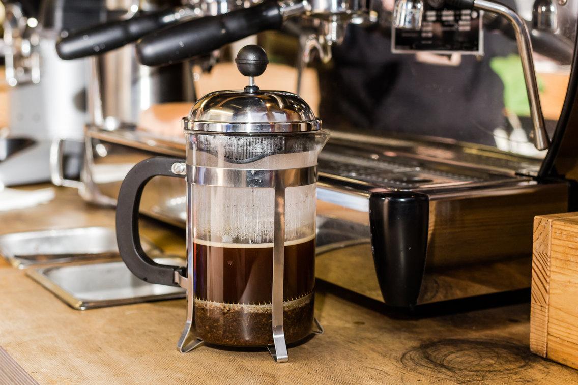 أبرز الأخطاء التي يرتكبها الناس في حق القهوة