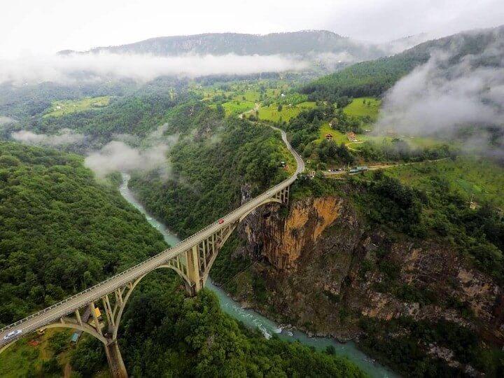 نهر وادي تارا