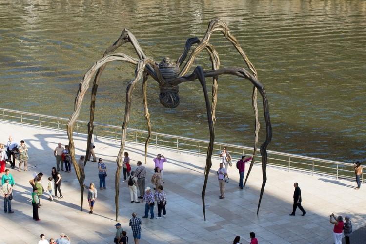 تمثال العنكبوت