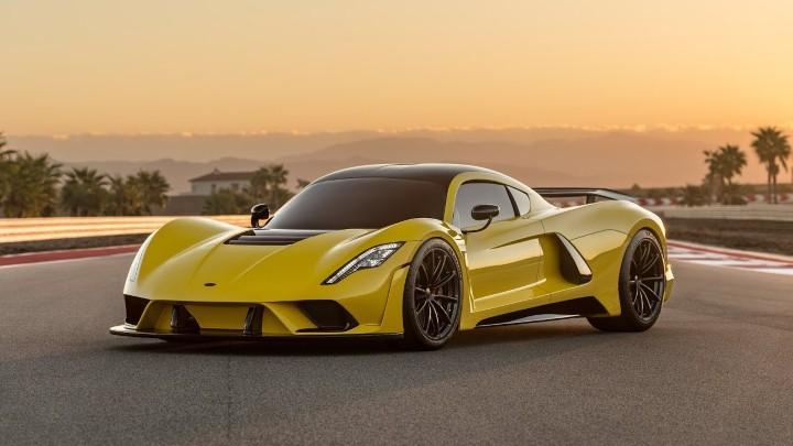 سيارة Venom F5